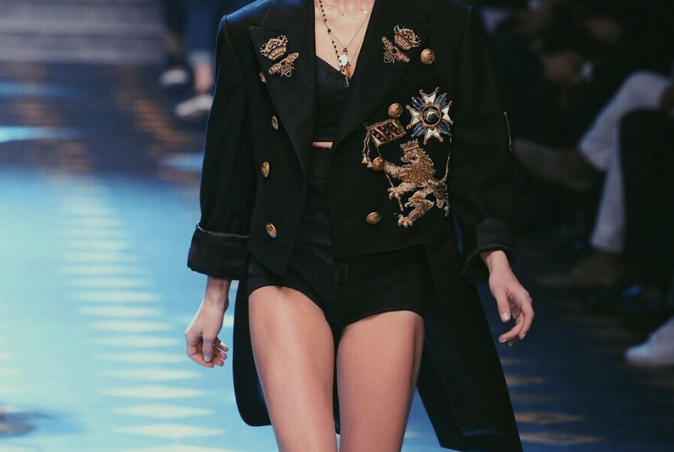 A stunning modern girl at the Dolce & Gabbana Men's Show